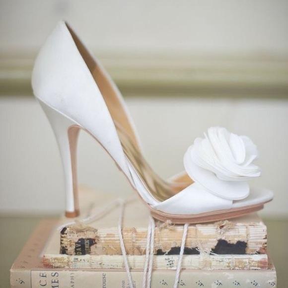 07d230b80620 Badgley Mischka Randall White Satin heels. NWB 7.5